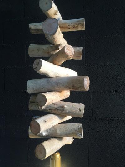Lustre en morceaux de bois flotté