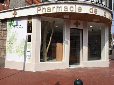 Arbre en bois flotté pour une pharmacie